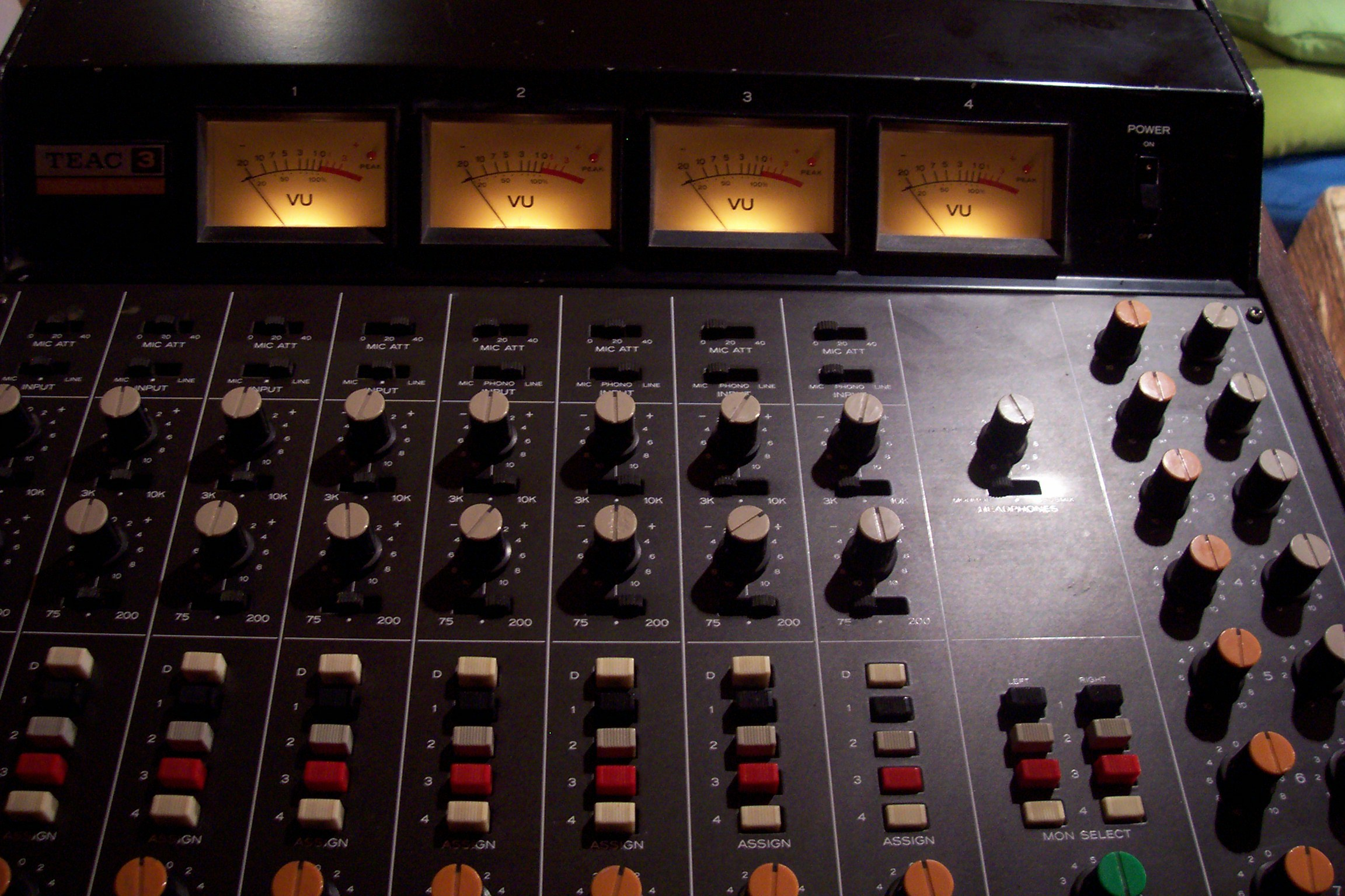 Table de mixage TEAC 3 M